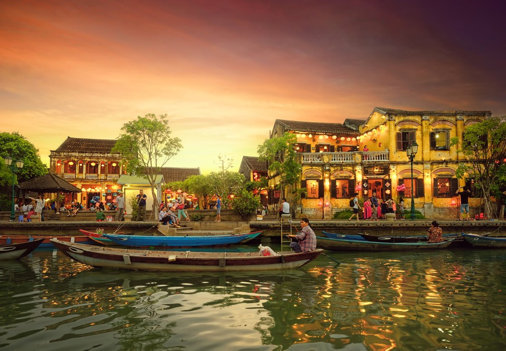 8 Amazing Places In Vietnam You Must Visit