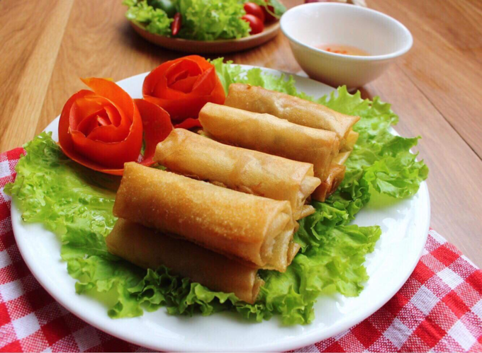 5 Delicious Vietnamese Rolls You Must Try