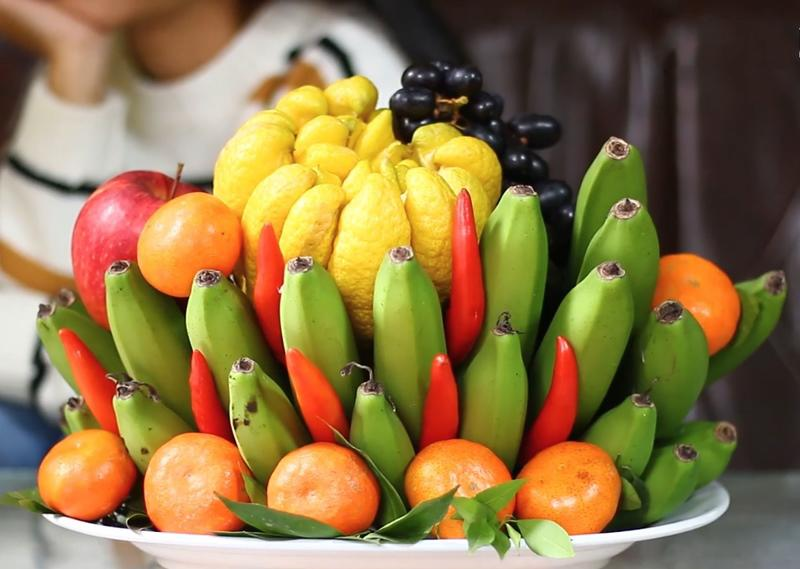 Each fruit or each color of the tray both has a good meaning