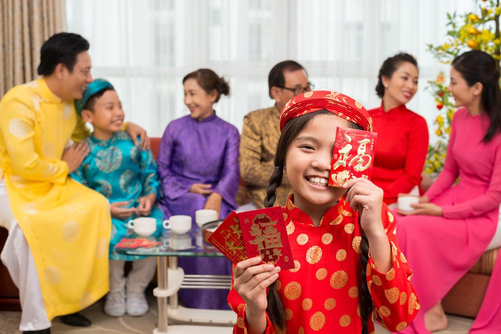 "Lucky Money in Vietnamese called ""Li xi"""